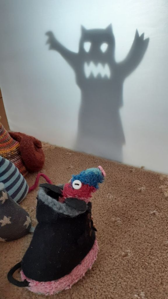 Ratvaark looks at the monster shadow