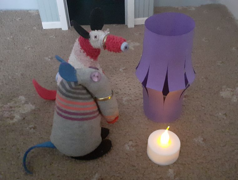 Dim and matilda have a battery powered tealight