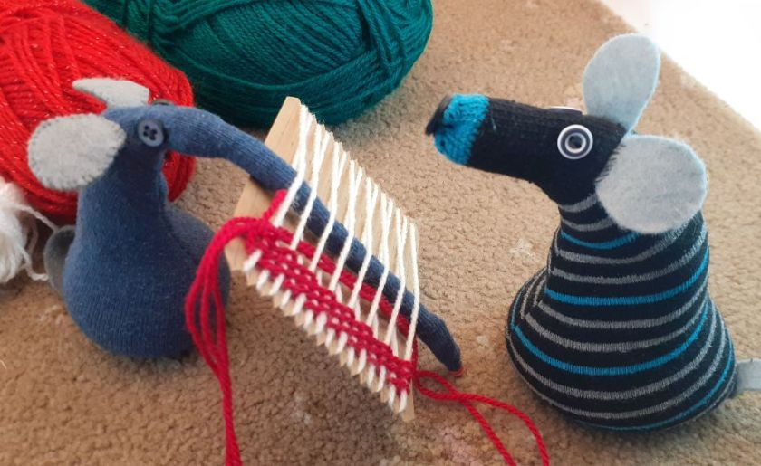 Ernest's snozzle is completely woven into the warp threads