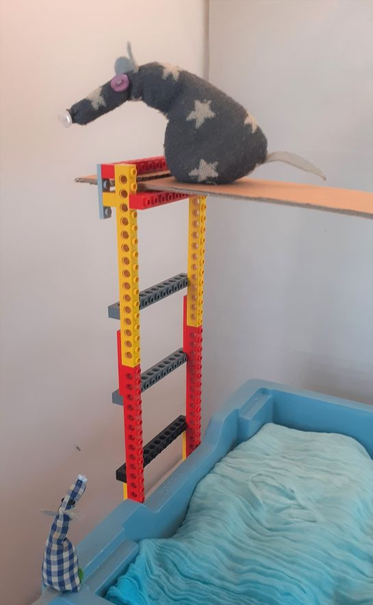 vincent has headed back to the ladder without diving