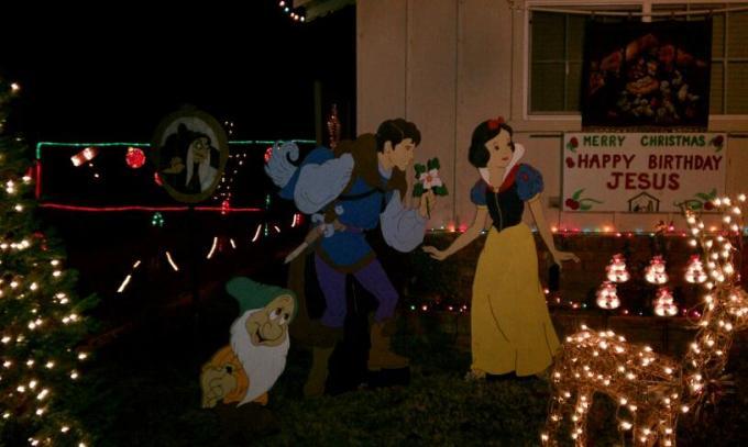 christmas tree lane in ceres ca cute little - Christmas Tree Lane Modesto Ca