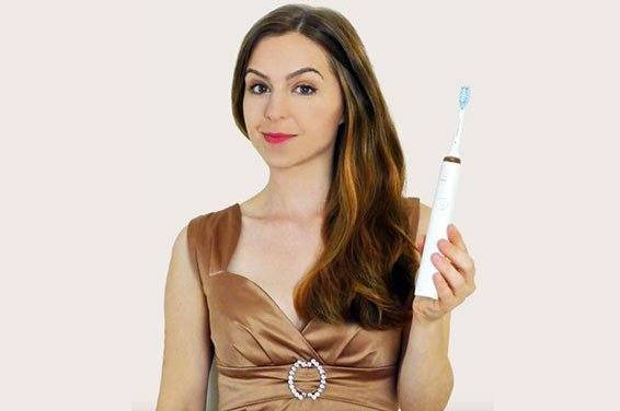 Philips Sonicare DiamondClean electric toothbrush unboxing and review