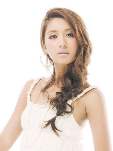 『海猿』最新作の主題歌「ビリーヴ」を歌姫シェネルが熱唱! | MOVIE Collection [ムビコレ]