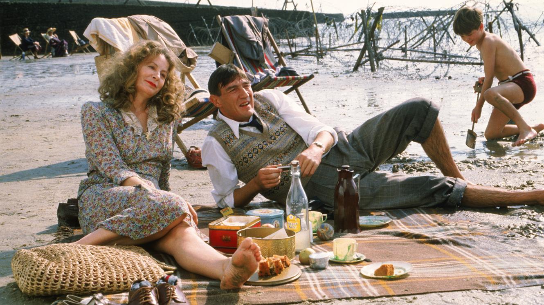 Hope and Glory (1987) - IMDb