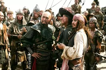 Jack Sparrow (Johnny Depp) and Sao Feng (Chow Yun-FAOrlando Bloom) in Pirates of the Caribbean 3