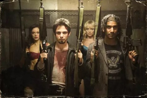 Freddy Rodriguez, Rose McGowan, Naveen Andrews en Mary Shelton in Planet Terror van Roberto Rodriguez