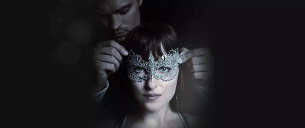 Dakota Johnson gemaskerd in Fifty Shades Darker