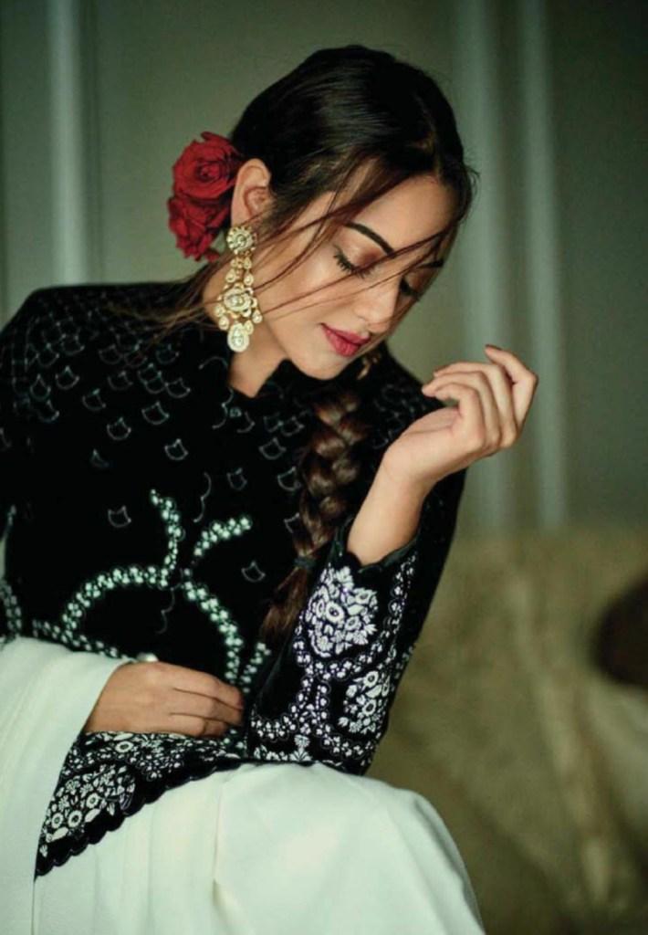 Sonakshi Sinha Femina Magazine Photoshoot December 2016 Issue Image 6