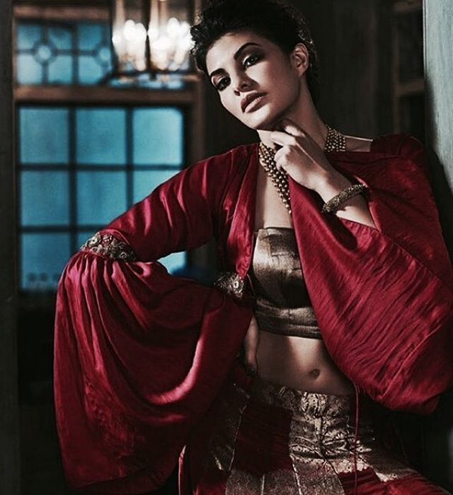 Jaqueline Fernandez Cover PhotoShoot for Hi!Blitz Magazine January 2017 Image 2