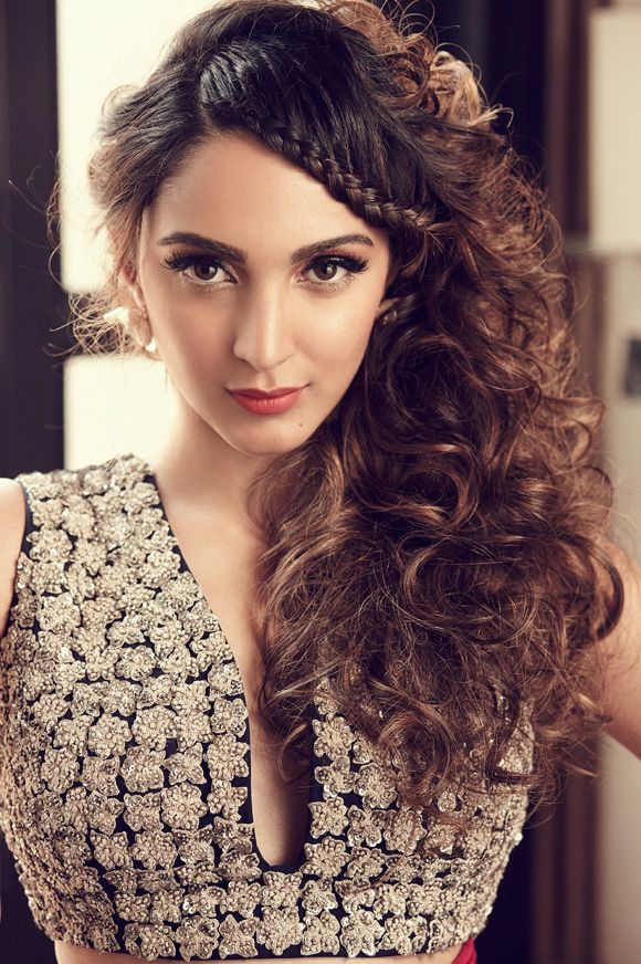 Kiara Advani Photoshoot Pictures HELLO! India Magazine January 2017 Issue Image 1