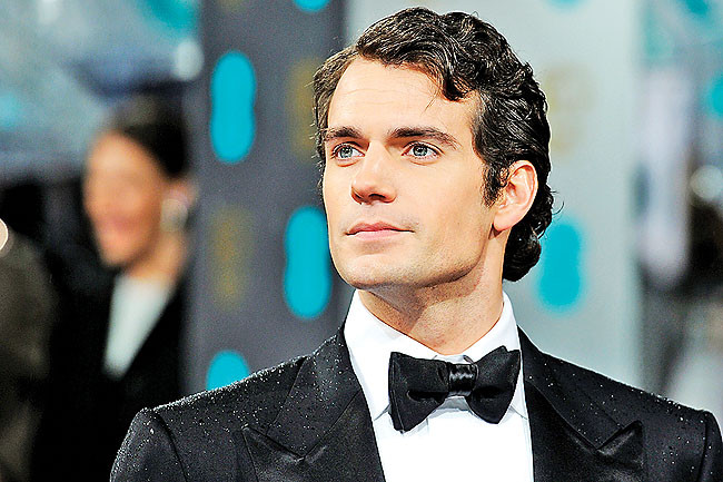Henry Cavill Replaces Tom Cruise On The Man From U N C L E Movies In Focus
