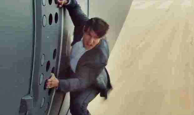 mission-impossible-rogue-nation-airplane-stunt