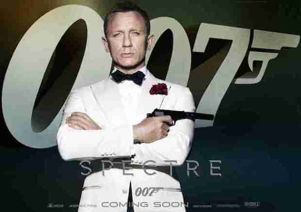 BOND-SPECTRE-REVIEW