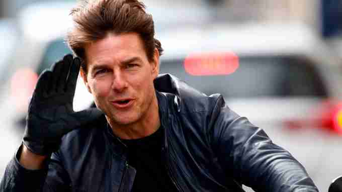 Tom Cruise Jumped Out Of A Plane At 30,000 Feet - 105 Times!