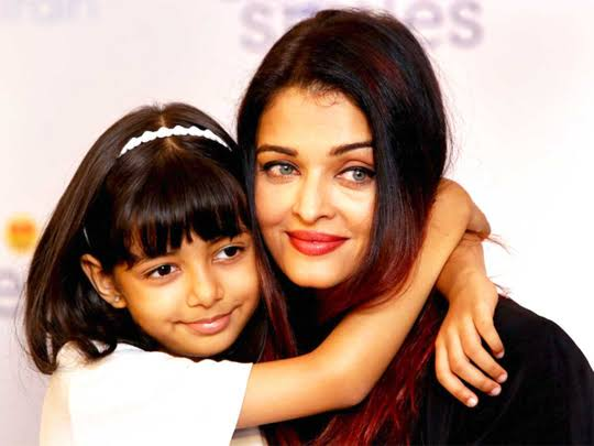 Aishwarya Rai and her daughter are discharged from the ...