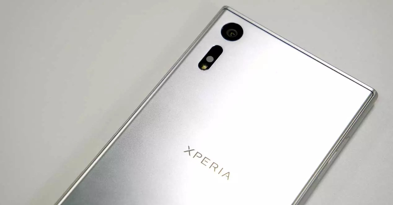 Sony Xperia XZ de color gris