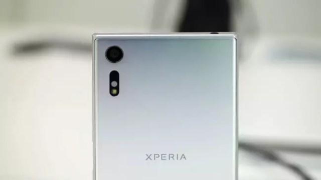Sony Xperia(móvil) XZ de color plata
