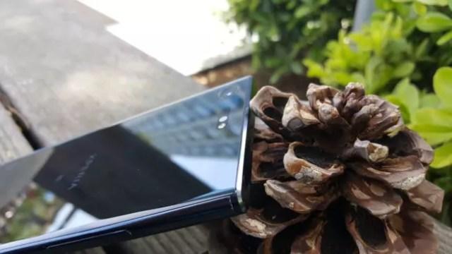 Esquina del Sony℗ Xperia(móvil) XZ Premium