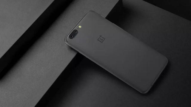 OnePlus 5 en color gris
