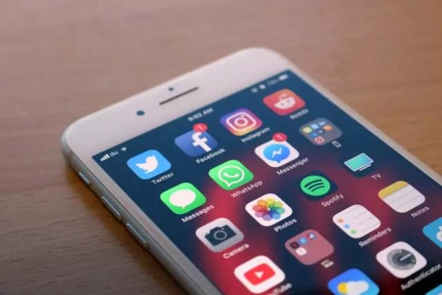 Iphone 8 con <stro data-recalc-dims=