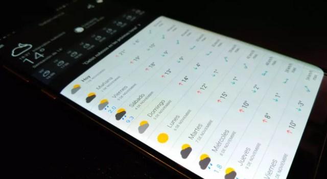 Smartphone con aplicación del tiempo