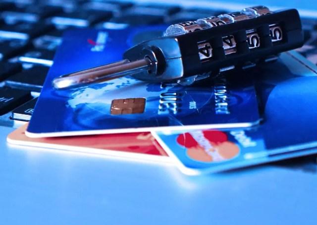 Robo de datos(info) bancarios asociados a una tarjeta de crédito