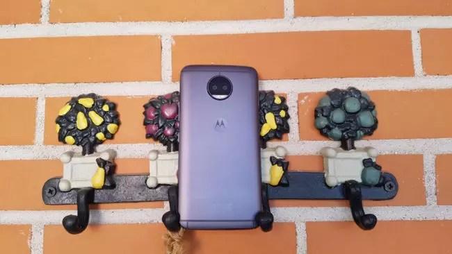 Imagen trasera del Motorola Moto G5S Plus