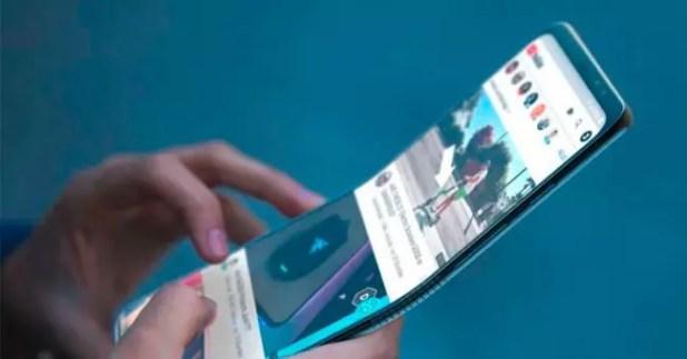 Móvil con pantalla flexible