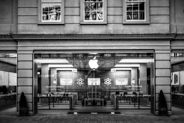 Fachada de una de las tiendas de Apple