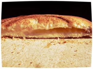 De mens leeft niet van brood alleen: hij wil ook spelen. Gaby van den Berghe