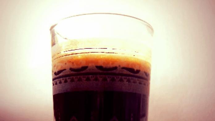 Drank maakt de tongen los, vooral koffie bij kletswijven. Johan de Coninck