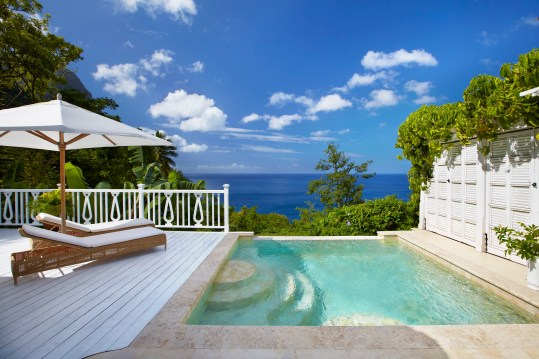 Superior Luxury Villa pool and view