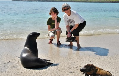 Ecuador Galapagos Family