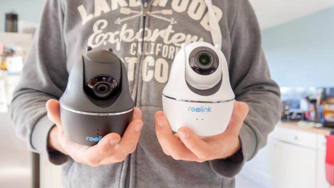 Reolink C2 Pro 5MP: caméra de sécurité intérieure ultra claire (revue et cadeau!) Reolink c2 pro reolink désireux côte à côte