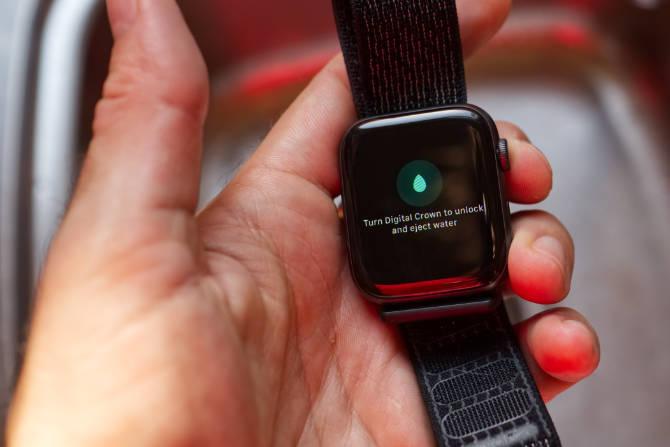 Apple Watch Wasser ausstoßen