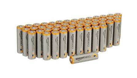10 produits AmazonBasics Tech qui sont en fait de très bonnes batteries Amazon Basics