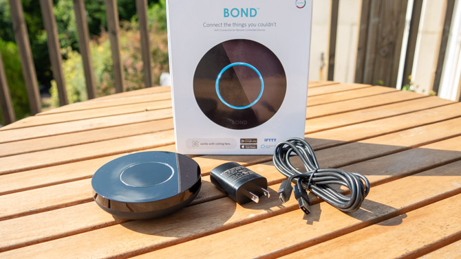 Verwandeln Sie mit Bond Bond 4 alberne ferngesteuerte Geräte in intelligente sprachaktivierte Geräte