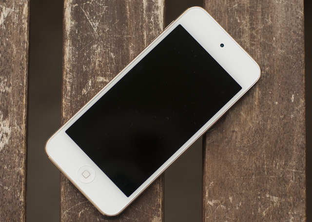 iPod Touch 6G Review & Giveaway DSC 0278