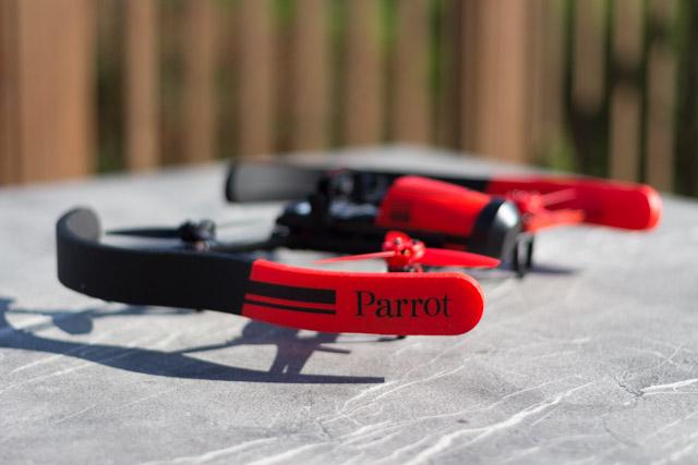 drone bebop et contrôleur ciel - ailes intérieures