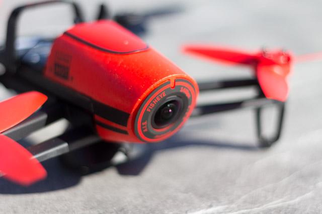 drone bebop et contrôleur ciel - objectif grand angle fisheye