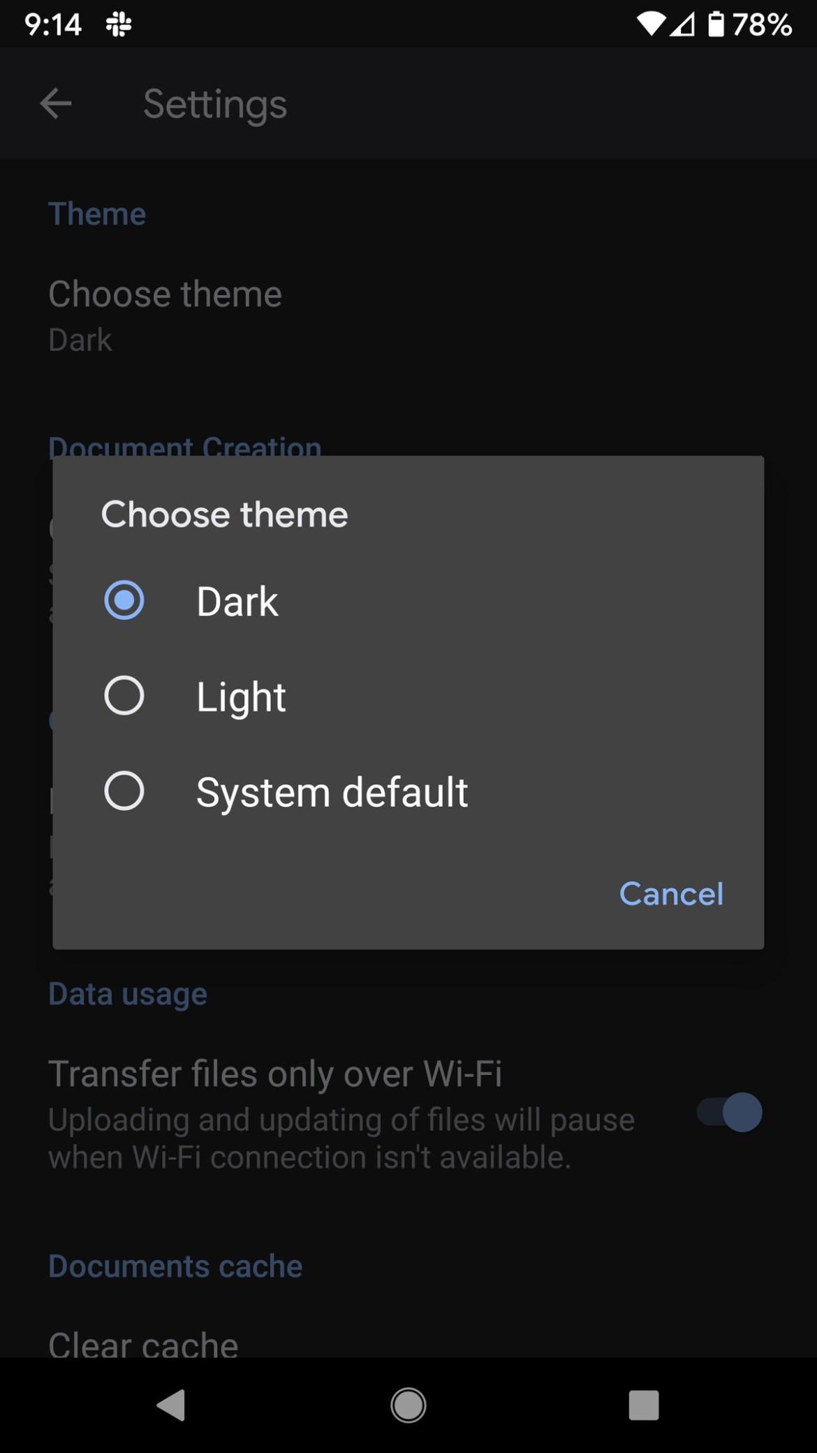 Vous pouvez choisir les modes sombre ou clair, ou simplement utiliser le système par défaut.