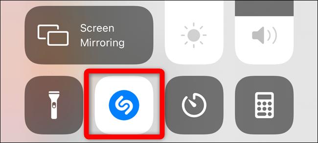 Le bouton Shazam s'allume et clignote