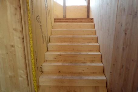 Condominio in legno Piossasco - scala interna