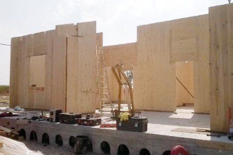 Cantiere villetta in legno x-lam BBS a Picchi Cherasco - posa pareti