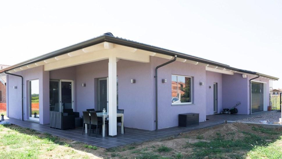 Casa in legno xlam Cherasco Cuneo localita Picchi - esterno 01