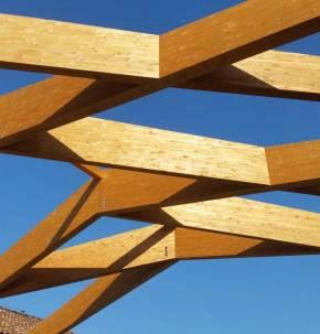Copertura-in-legno-lamellare-cantine-Ceretto-montaggio-02-Mozzone-Building-System