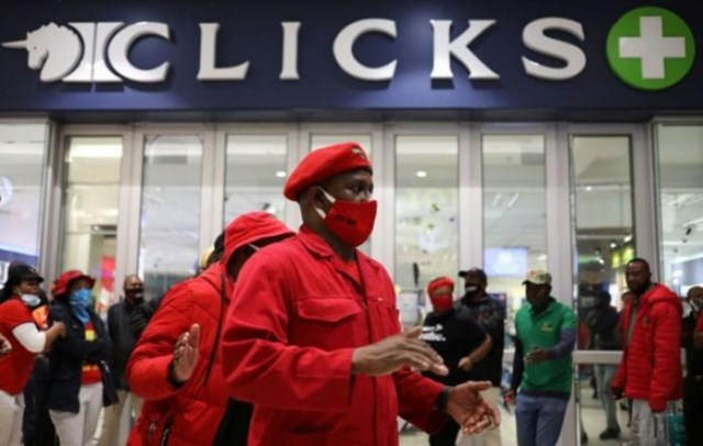 EFF protesters demonstrating at Clicks for its racial advertisement