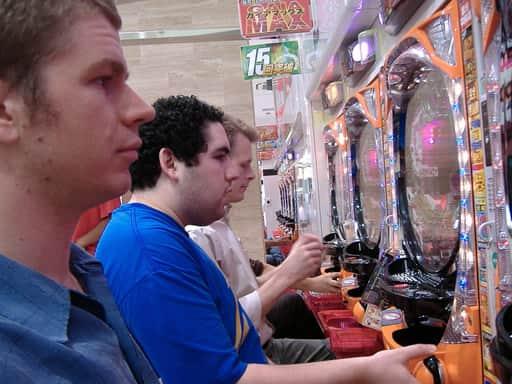 オンラインカジノはパチンコ同様グレーなギャンブル