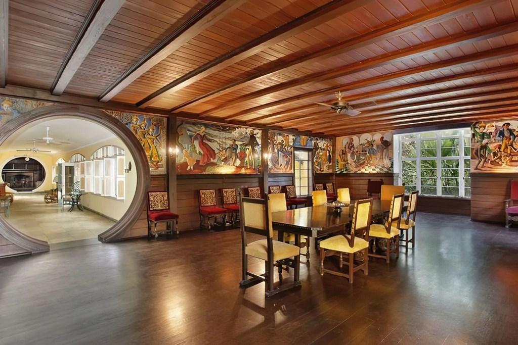Java Head Dining Room