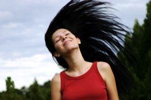 Jak wrócić do naturalnego koloru włosów